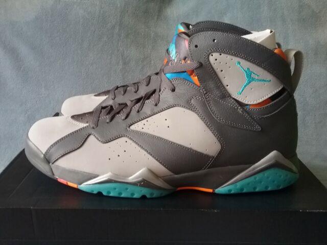 pretty nice 4d7c5 ac903 Nike Jordan Men's Air Jordan 7 Retro Basketball Shoe
