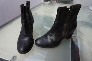 schicke-TAMARIS-Damen-Schuhe-Stiefel-Stiefeletten-Boots-Leder-Gr-39-dunkelgrau