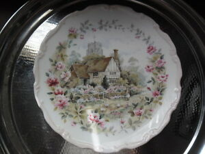 LOVELY-ROYAL-ALBERT-034-SUMMER-034-COLLECTORS-PLATE
