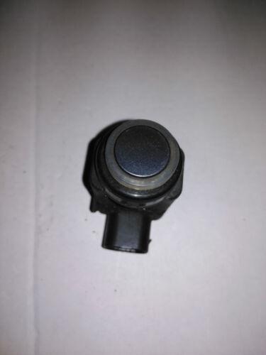 FORD FUSION 2004-2012   1 x  REAR PARKING SENOR x 1  GREY IN COLOUR