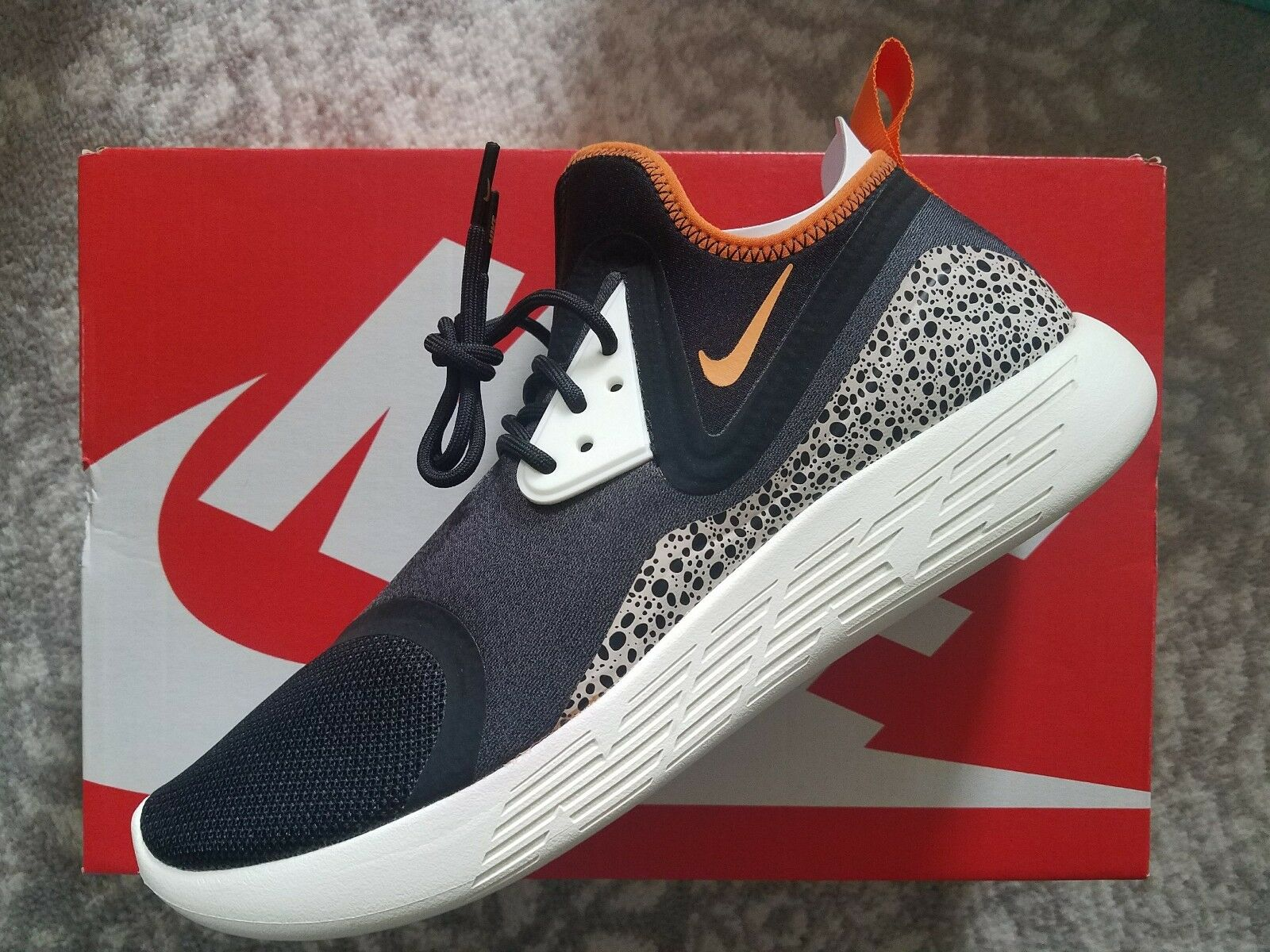 Nike Lunarcharge BN Safari Price reduction  best-selling model of the brand