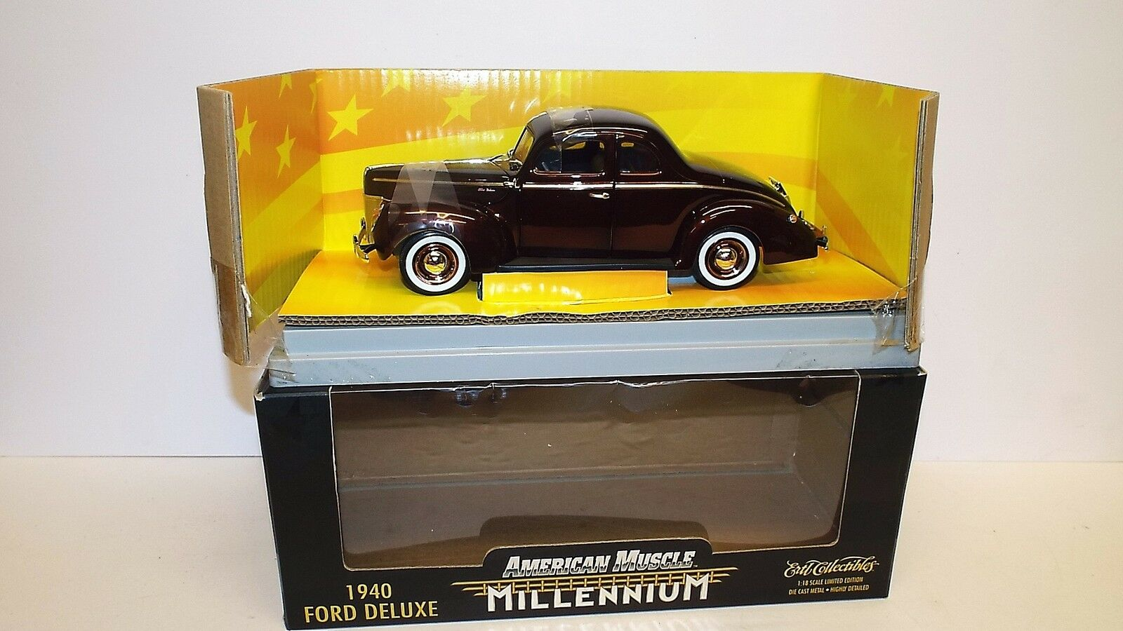 AMERICAN MUSCLE 1940 FORD DELUXE MILLENNIUM  MINT BOXED (1 18-19)
