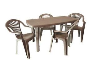 Tavoli In Plastica Impilabili.Set Estate Perfetta Tavolo 4 Poltrone Impilabili In Resina