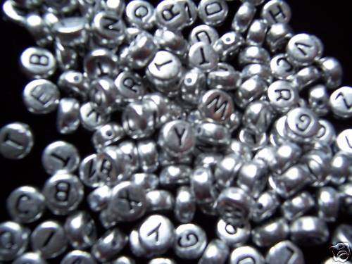 letters beads 500pcs  7mm flat round silver acrylic alphabets