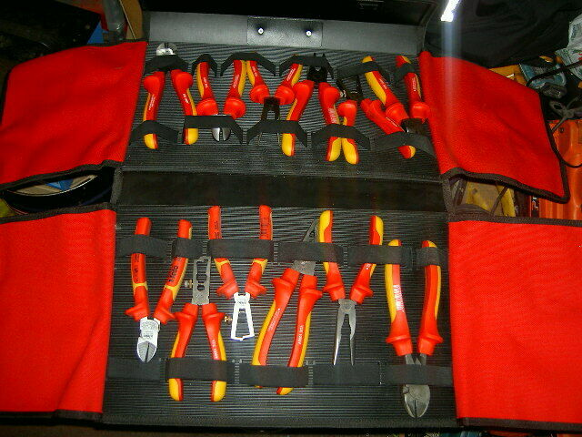 WILL   FELO 12 PIECE LIMITED EDITION 1000VOLT PLIER SET IN CARRY CASE NEW