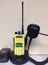 MOTOROLA HT1250 UHF 403-470 128ch radio AAH25RDH9AA6AN w/ Bat Charger Mic XTS CP