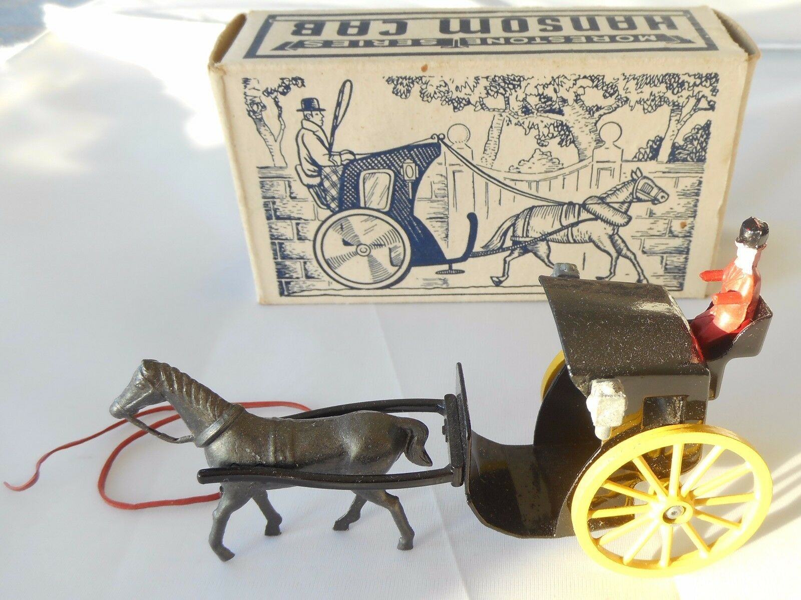 Morestone Horse Drawn Hansom Cab 118mm in original box