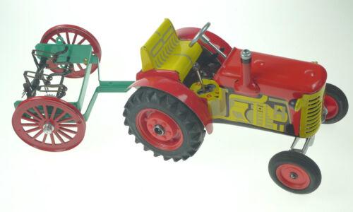 3 FARM SET #2 CLOCKWORK TINPLATE FOR KOVAP TRACTORS TRACTOR NOT INCLUDED