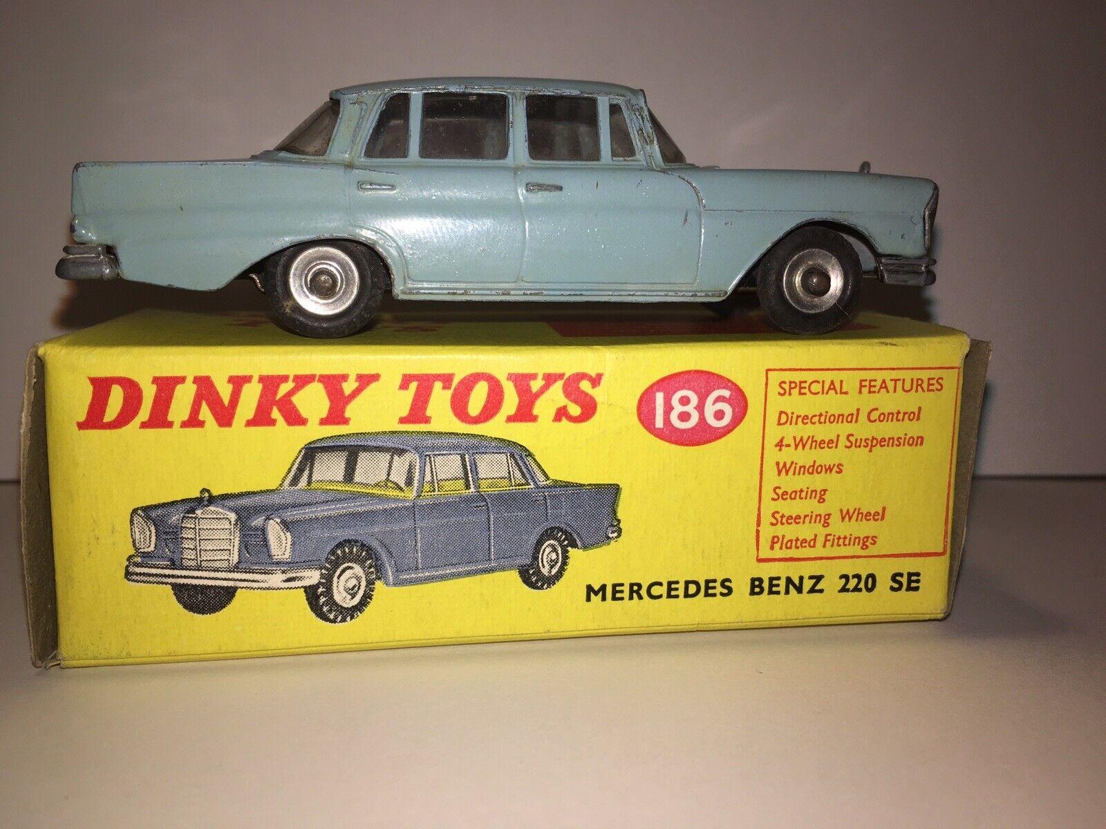 Vintage Dinky Mercedes Benz 220 se Con Caja Buen Estado