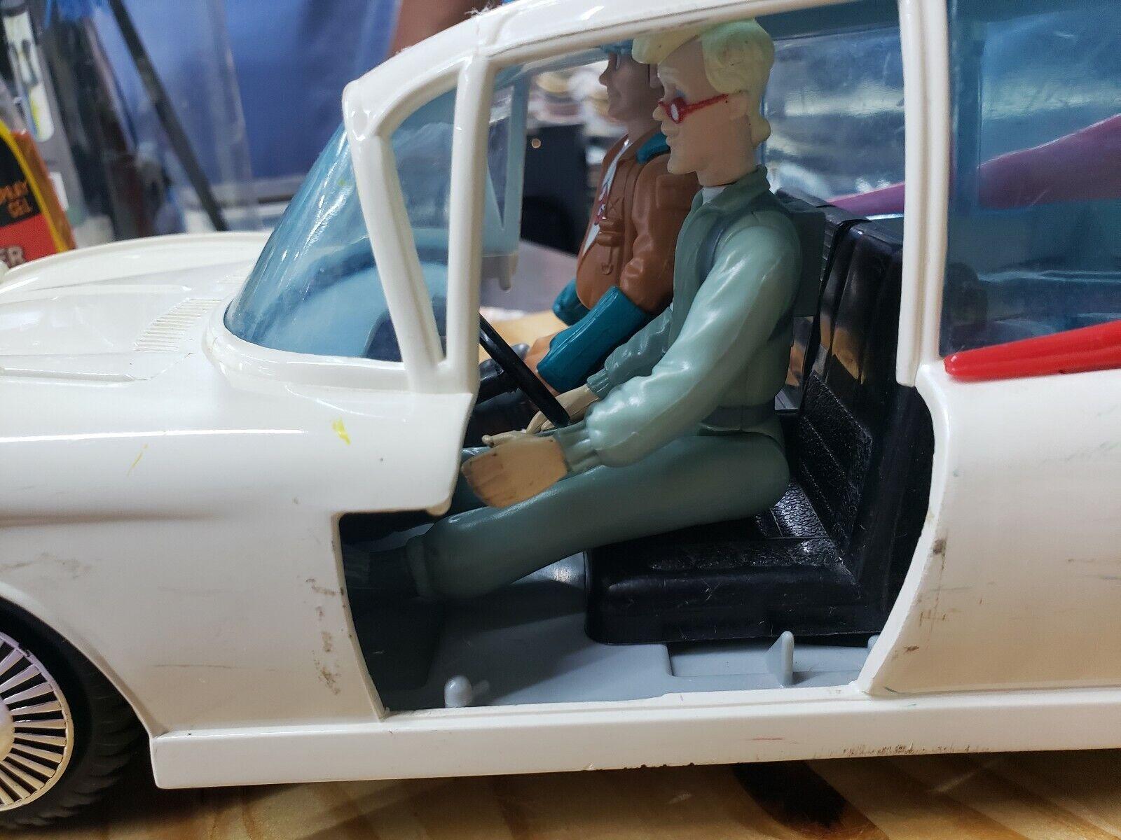 1984 Ghostbusters Ecto1 Ambulance Ambulance Ambulance Vehicle Vintage  with 4 Figures 8b2c86