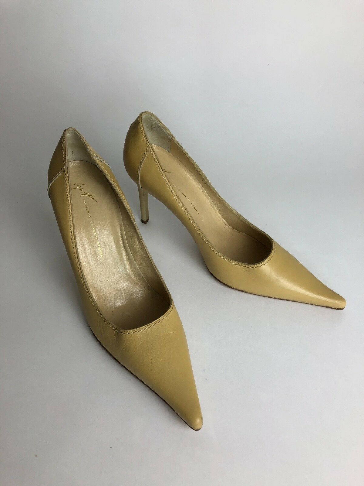 Guiseppe Zanotti Beige Tan Pointed Pointed Pointed Toe Pump Heels US Größe 9 GREAT CONDITION f4233f