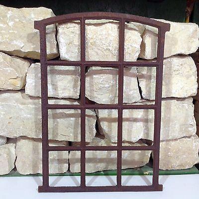 B902A Antik Stallfenster Gusseisen Fenster Eisenfenster Stallgitter Trockenmauer