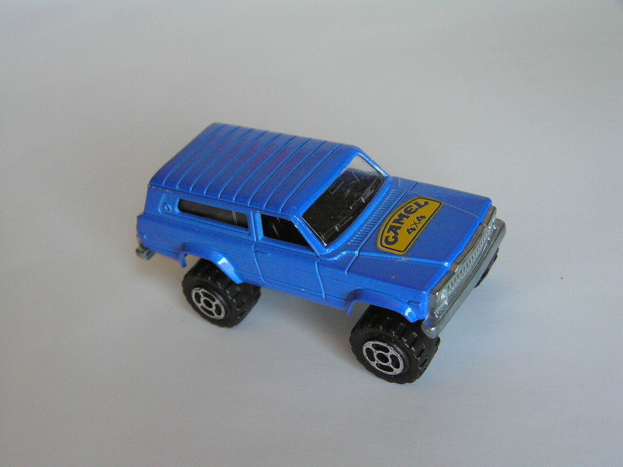 RARE MAJORETTE  236 4X4 Jeep Cherokee en bleu  CAMEL  MADE IN FRANCE near Comme neuf loose