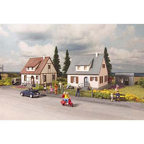 PIKO Neuburg Cottages Kit HO Gauge 61145