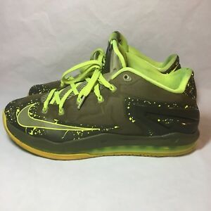 huge selection of d4a84 2c016 Image is loading Lebron-XI-Low-Dunkman-Nike-Air-Max-Volt-