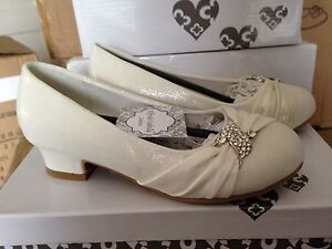 GIRLS SPARKLY IVORY SATIN SHOES FLOWER