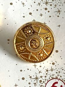 2-AUTHENTIC-CHANEL-Vintage-Button-20mm-Circa-1980s-one-Has-Back-Gone
