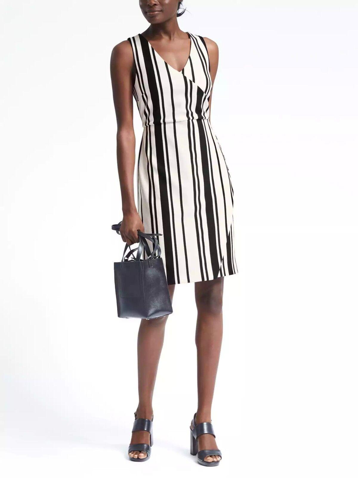 Banana Republic Stripe Knit Wrap-Effect Dress,Navy Stripe Größe 10T 10 T