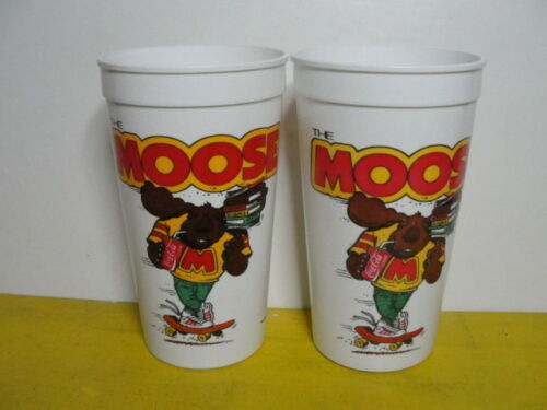 2 -HARDEE'S SUMMER 89 CUPS( THE MOOSE )