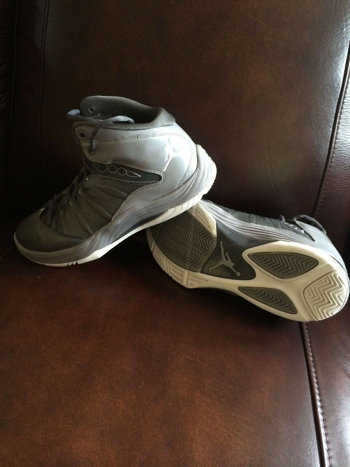 Gray Jordan's SIZE SIZE SIZE 9 - condition 9.5/10 395583