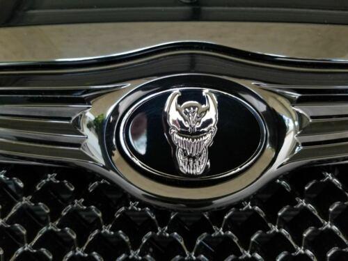 VENOM PAIR Chrysler 300C Replacement CAR EMBLEMS 70mm 63mm Metal Badges
