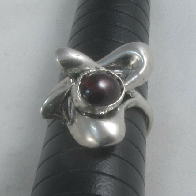 Handmade Vintage 925 Sterling Silver Ring Size 6.75 with Natural Garnet