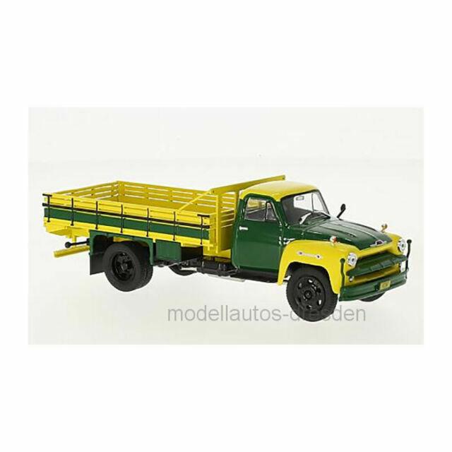 1:43 White Box Chevrolet c6500 1958 yellow//green