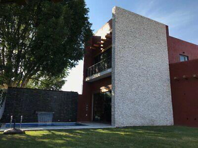 Venta de Casa Jurica Qro NUEVA, L-HOUSE 4 recs, Cuarto de servicio, Alberca