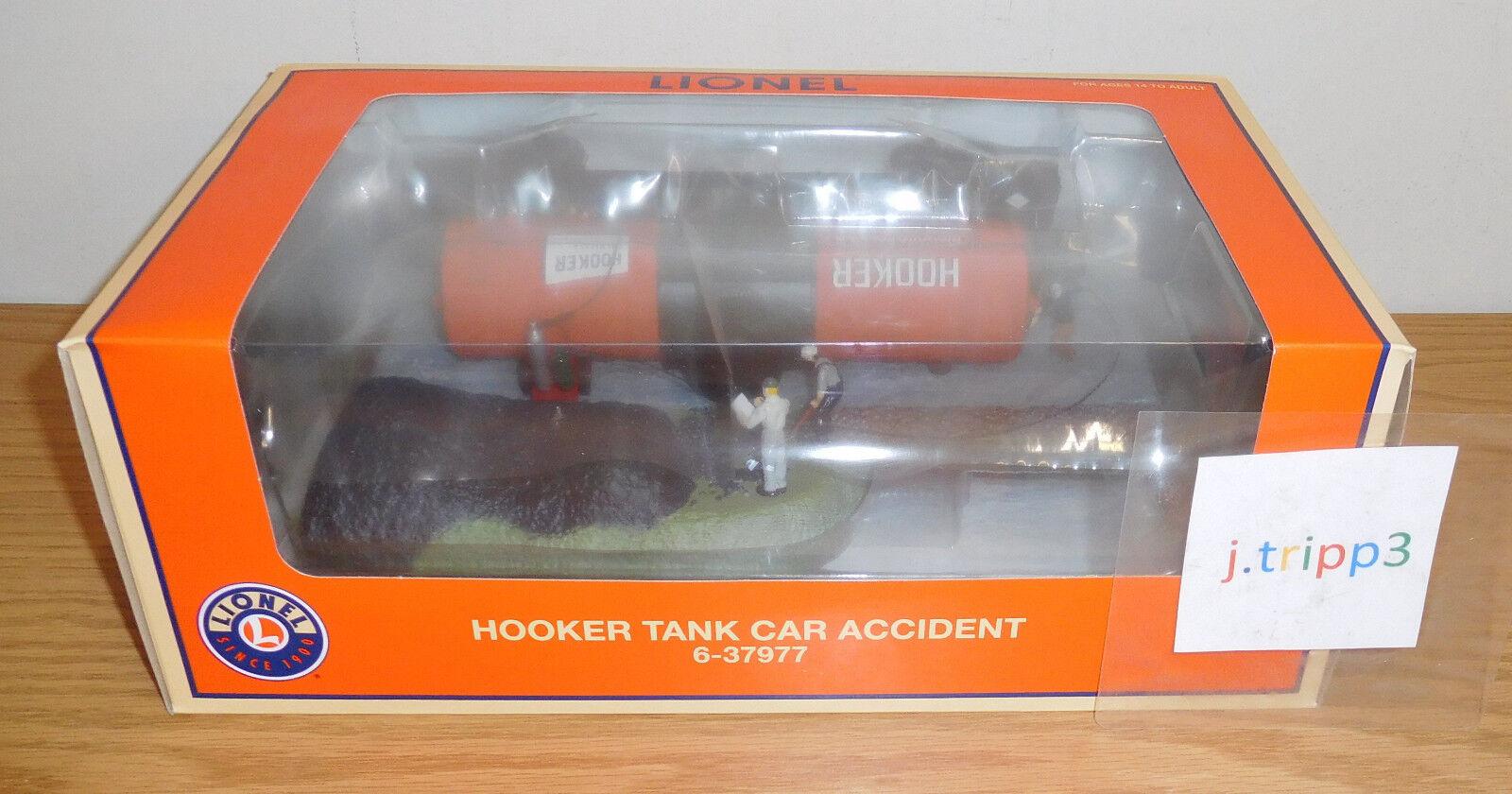 LIONEL 6-37977 HOOKER TANK CAR ACCIDENT SCENE OPERATING TRAIN ACCESSORY O GAUGE