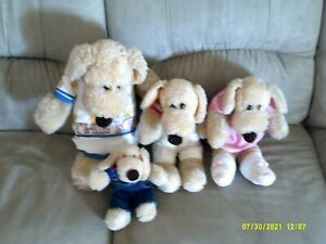 Le Mutt FAMILY OF 4 W/OUTFITS GREAT SHAPE!!!!