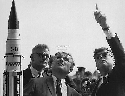 1963-8X10 NASA PHOTO EP-329 JOHN F KENNEDY /& WERNHER VON BRAUN NOVEMBER 16