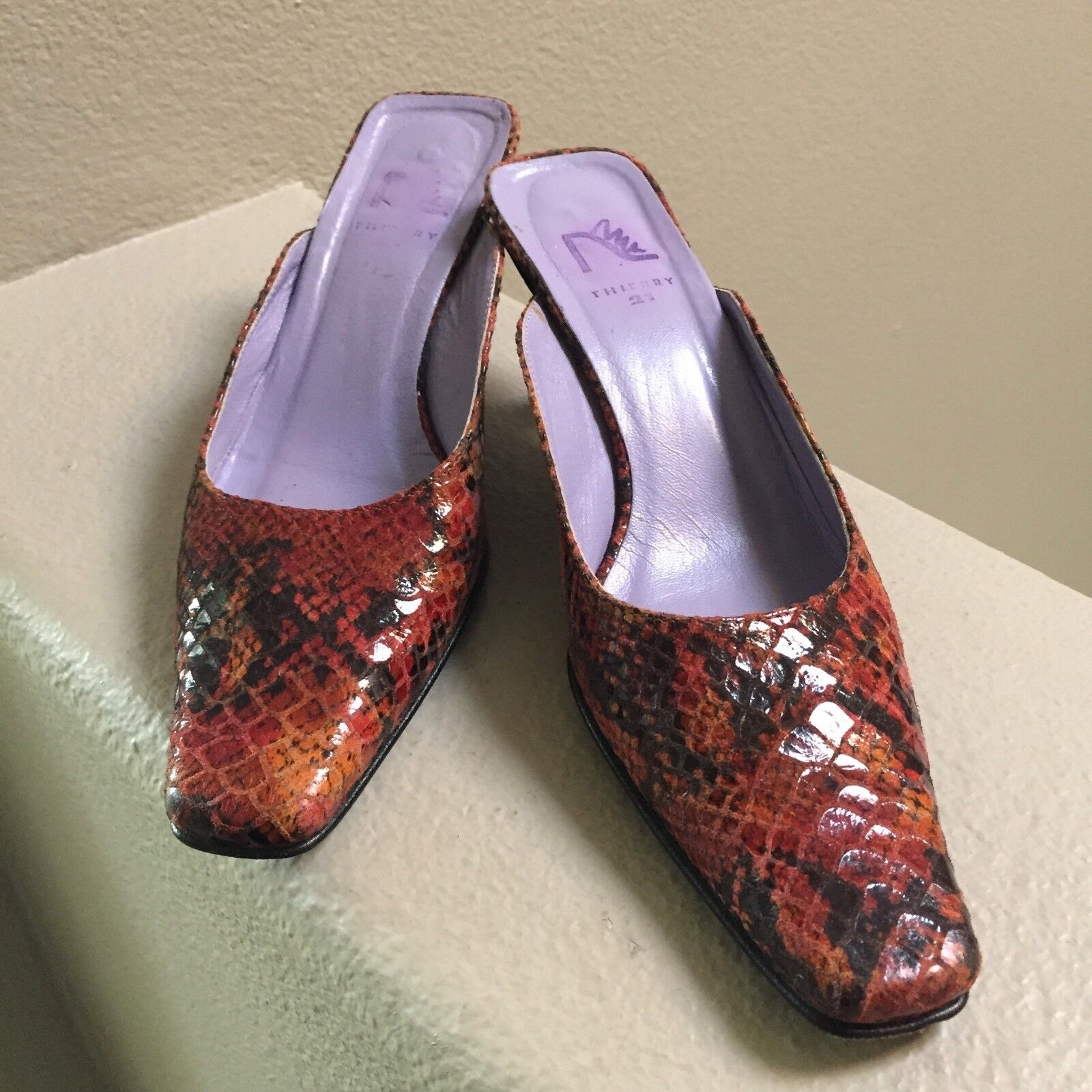 Thierry 21 Womens Mules Pumps Size 37 1 2 Snake Skin Lined Leather.