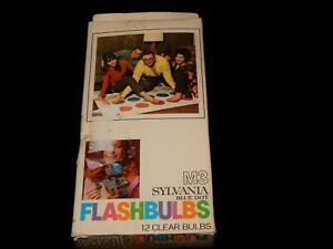 """Vintage Photography, SYLVANIA M3 BLUE DOT FLASH BULBS, 12 Pack, """"Twister"""" Cover"""