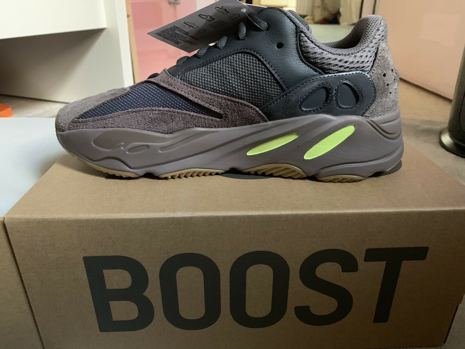 Adidas Yeezy Boost 700 Wave Runner Mauve - SIZE US 10 - READY TO SHIP