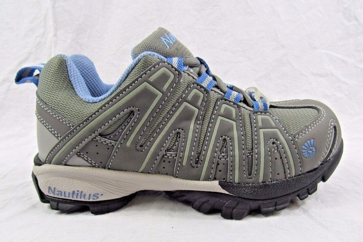 Nautilus Women's SD Athletic Soft Toe Work shoes - Size 8 - New Grey Sneakers