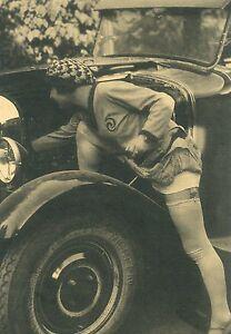 Historische Erotik-Ansichtskarte ungelaufen Frau Mode Oldtimer Hut Strapse Schuh