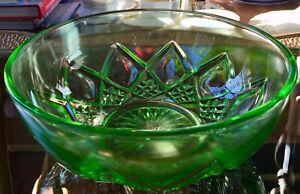 Vtg-Hazel-Atlas-Vaseline-Uranium-Art-Glass-8-034-Serving-Bowl-w-Diamond-Arch-Panels