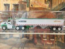 Peterbilt 579 Day Cab Green ST-GERMAIN w//Spread Axle Trailer 1//87 HO TNS059
