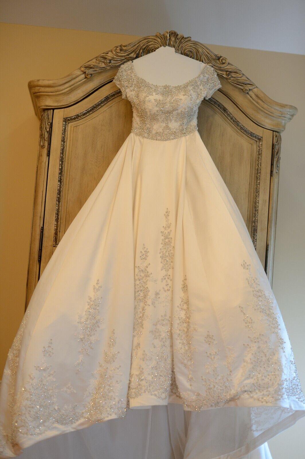 Stephen Yearick Wedding Dress Ball Gown KSY49 Sz 6 Swarovski Crystals Long Train