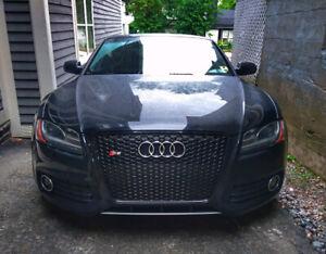 2011 Audi S5  (4.2L V8)  Black with 6-Speed Manual Quattro AWD