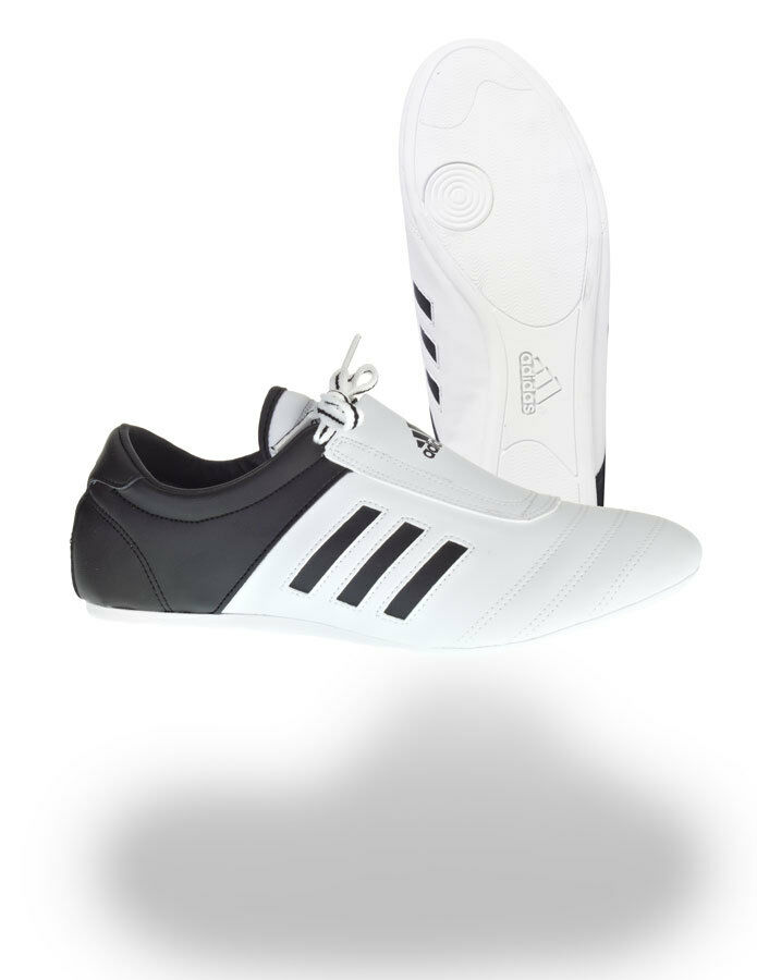Adidas Indoor Trainings Schuhe Extra dünne Sohle. Sport, Fitness,TKD Kampfsport, Fitness,TKD Sport, c25e1e