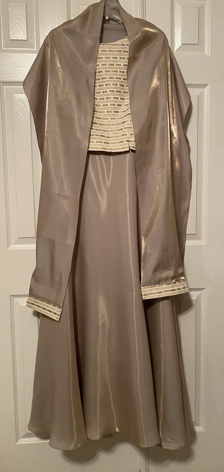 JS Collections Gold Formal Evening Mother Of The Bride Party Prom Dress 8 NEW!!!