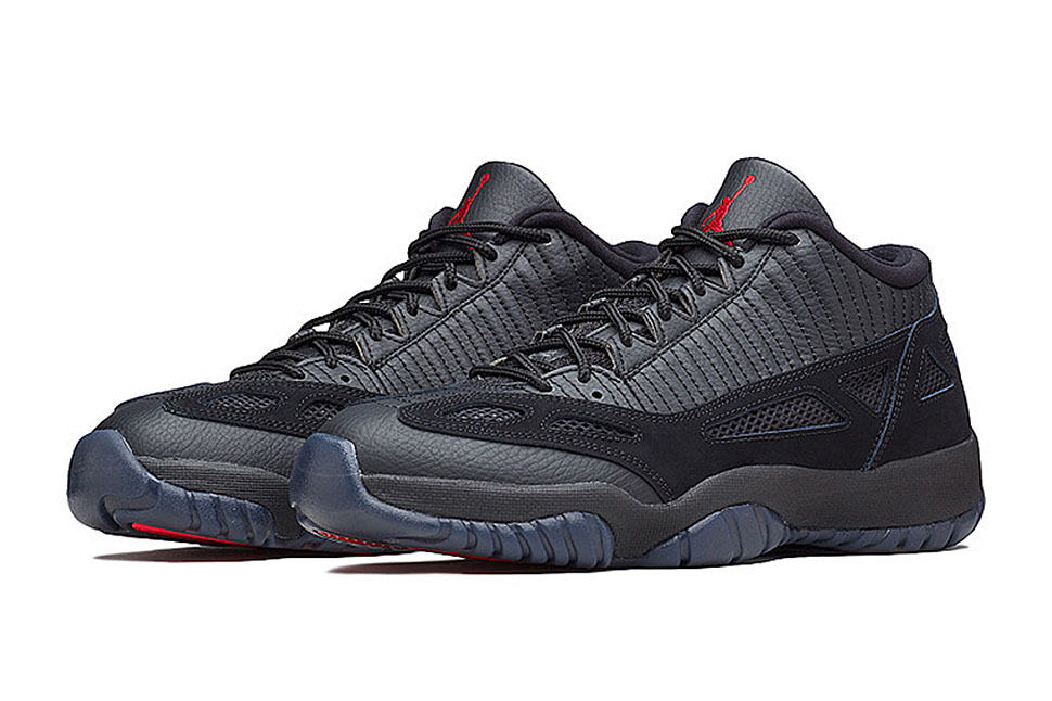 Nike Air Jordan 11 Retro Low IE Referee 72-10 306008-003 FLU BANNED BRED Price reduction Great discount