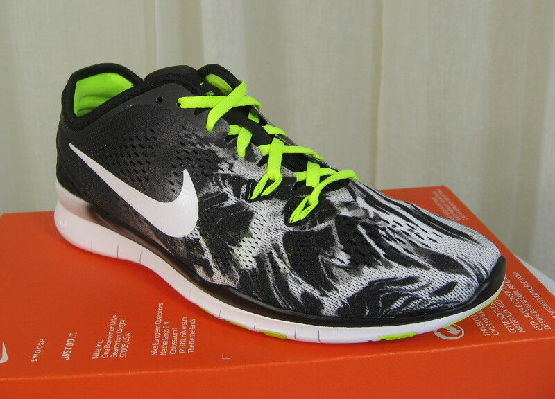 NIB NIKE Free 5.0 TR Fit 5 Print Lace-Up Training shoes Size 7 Black White Volt