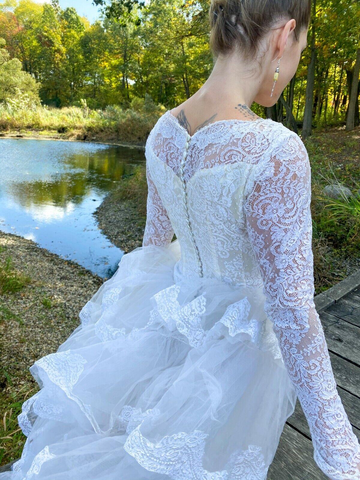 1950's Vintage Wedding Dress Lace w/Juliet Cap & … - image 2