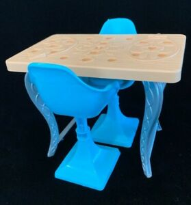 Barbie-2015-Dream-house-kitchen-Table-2-Chairs-Furniture-New