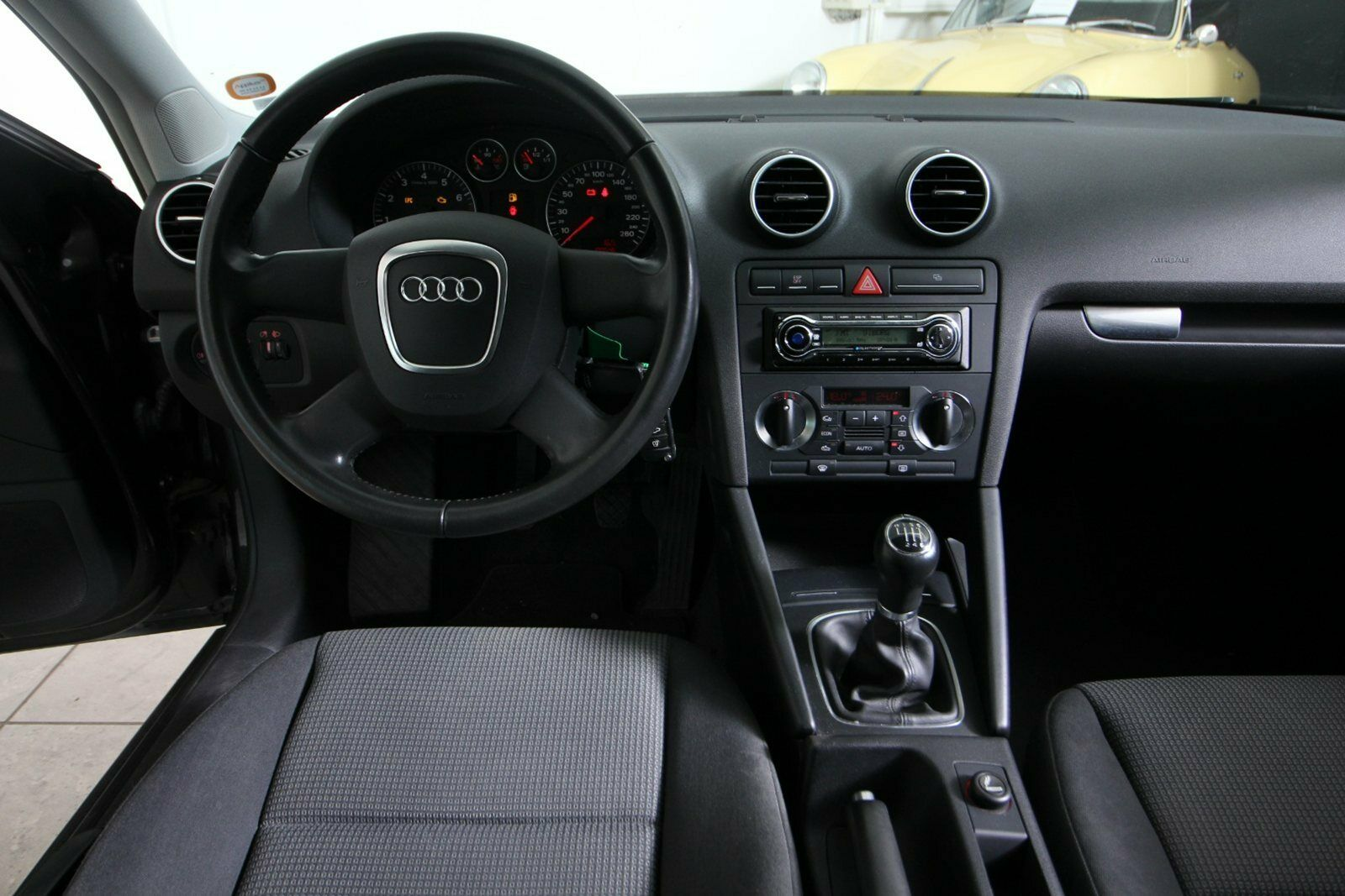 Audi A3 FSi Attraction