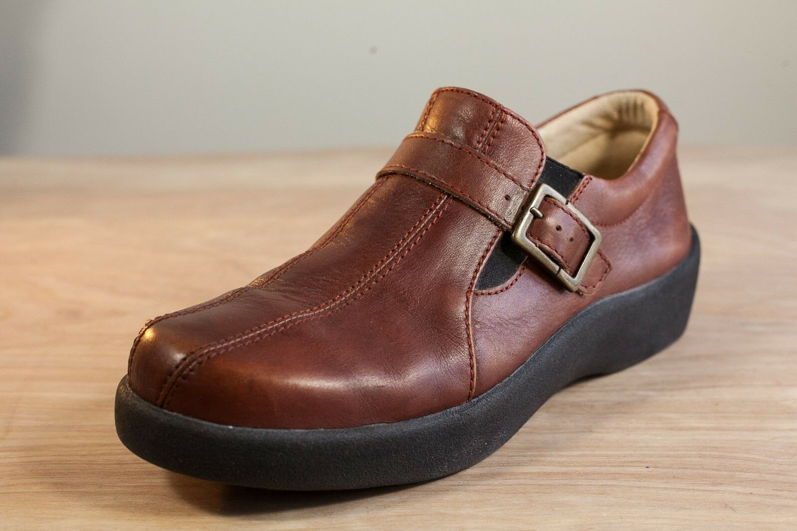 Wolky 8 Brown Leather Men's Walking shoes