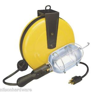 30 foot retractable reel with work light ebay. Black Bedroom Furniture Sets. Home Design Ideas