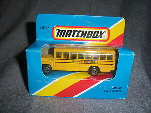292B-Vintage-Matchbox-1981-MB-47-Bus-School-Bus-School-District-2-USA-1-76